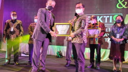 Award LLDIKTI IX Kemendikbud RI, STIE AMKOP Borong 3 Penghargaan