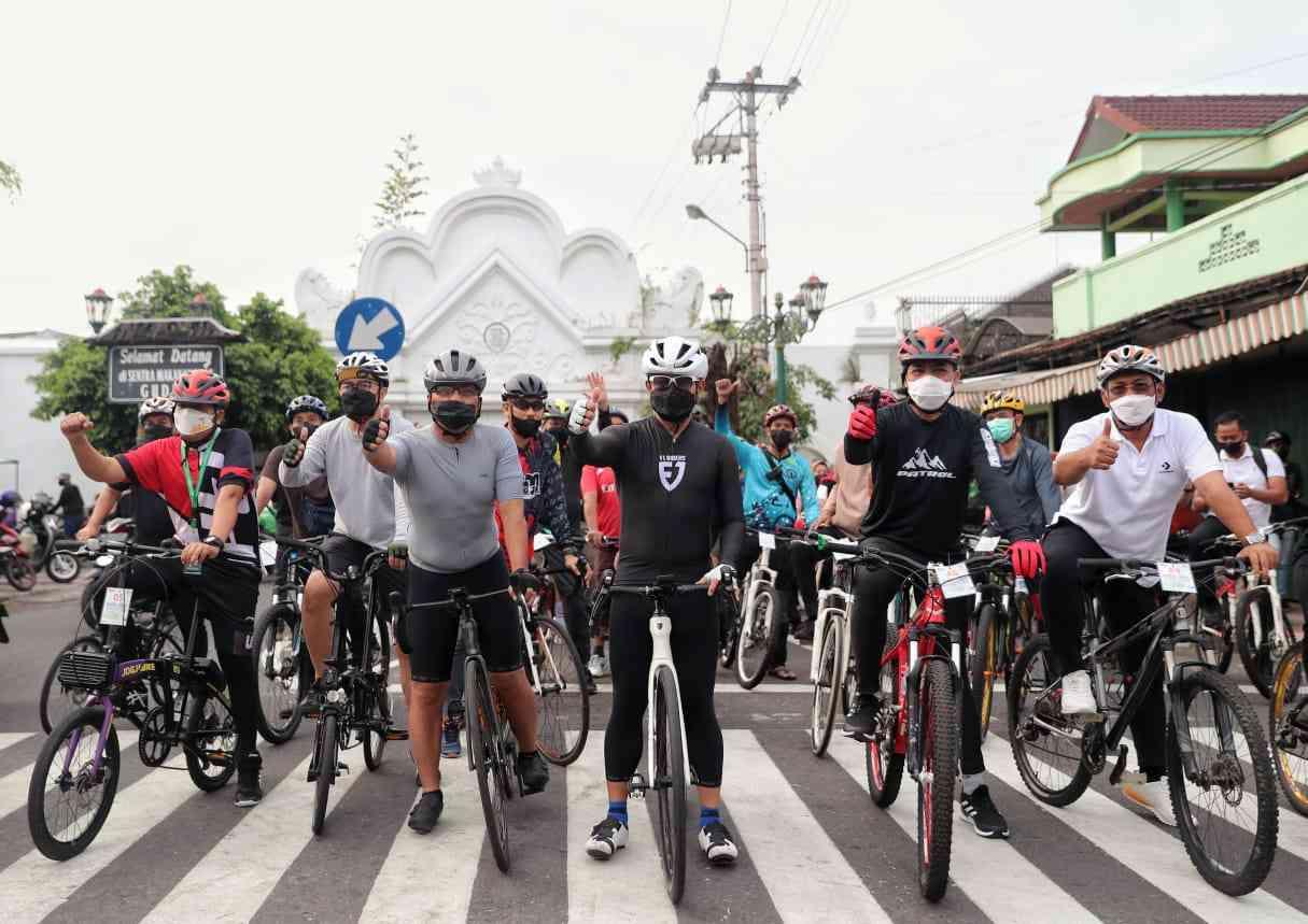 Moh. Ramdhan Danny Pomanto Bersama 41 Wali Kota Nikmati Jalur Gowes Monalisa