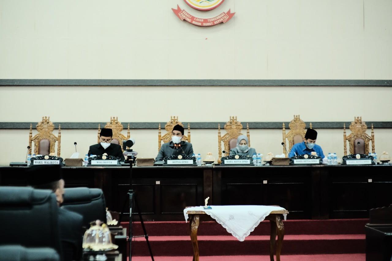 Lahirkan Perda Prakarsa,DPRD Makassar Sahkan Ranperda Perumda Pasar